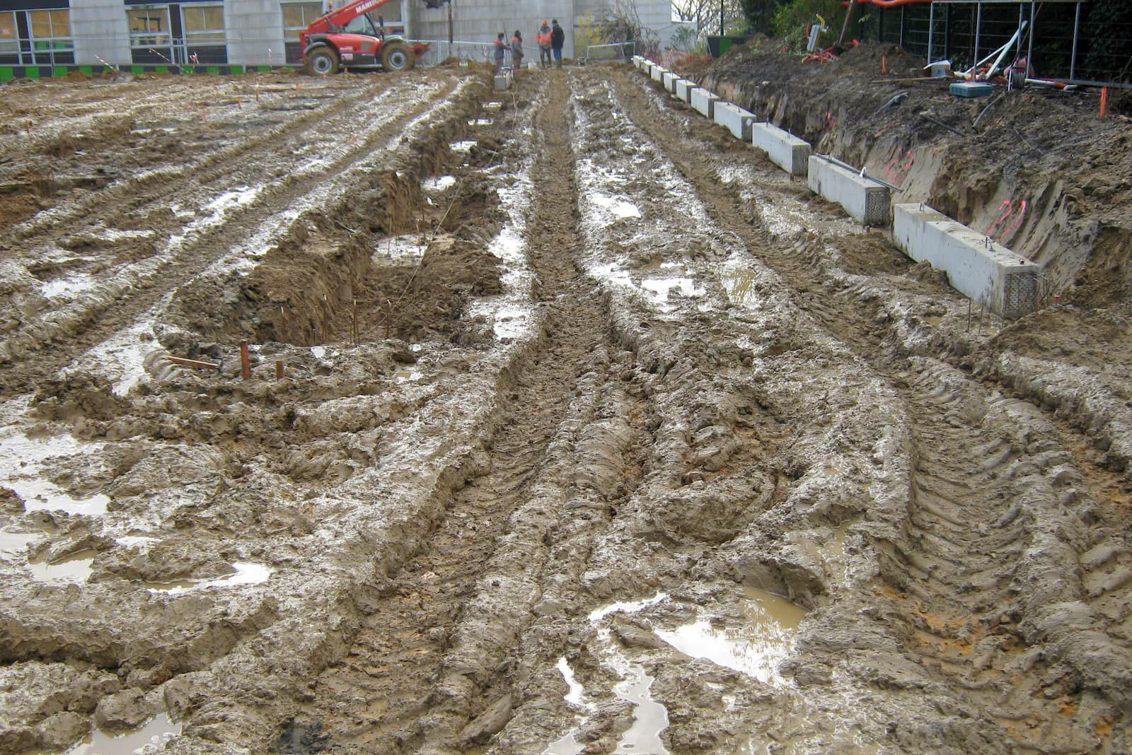 Fondations et installation de regards béton au Parc Hôpital de Taverny (95)