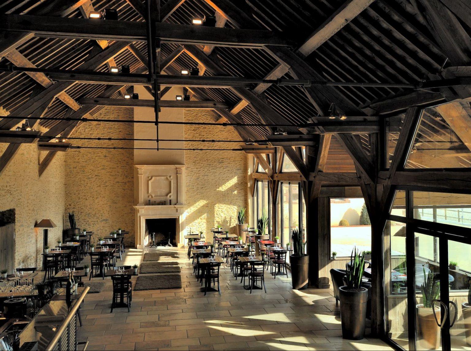 Réhabilitation et aménagement de la salle de restaurant par ALM Construction