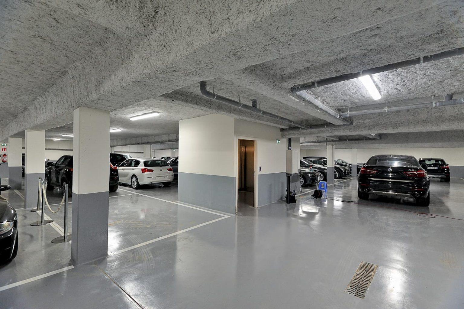 Dallage béton et élévation du sous-sol en prémurs au sein de BMW Plaisir (78)