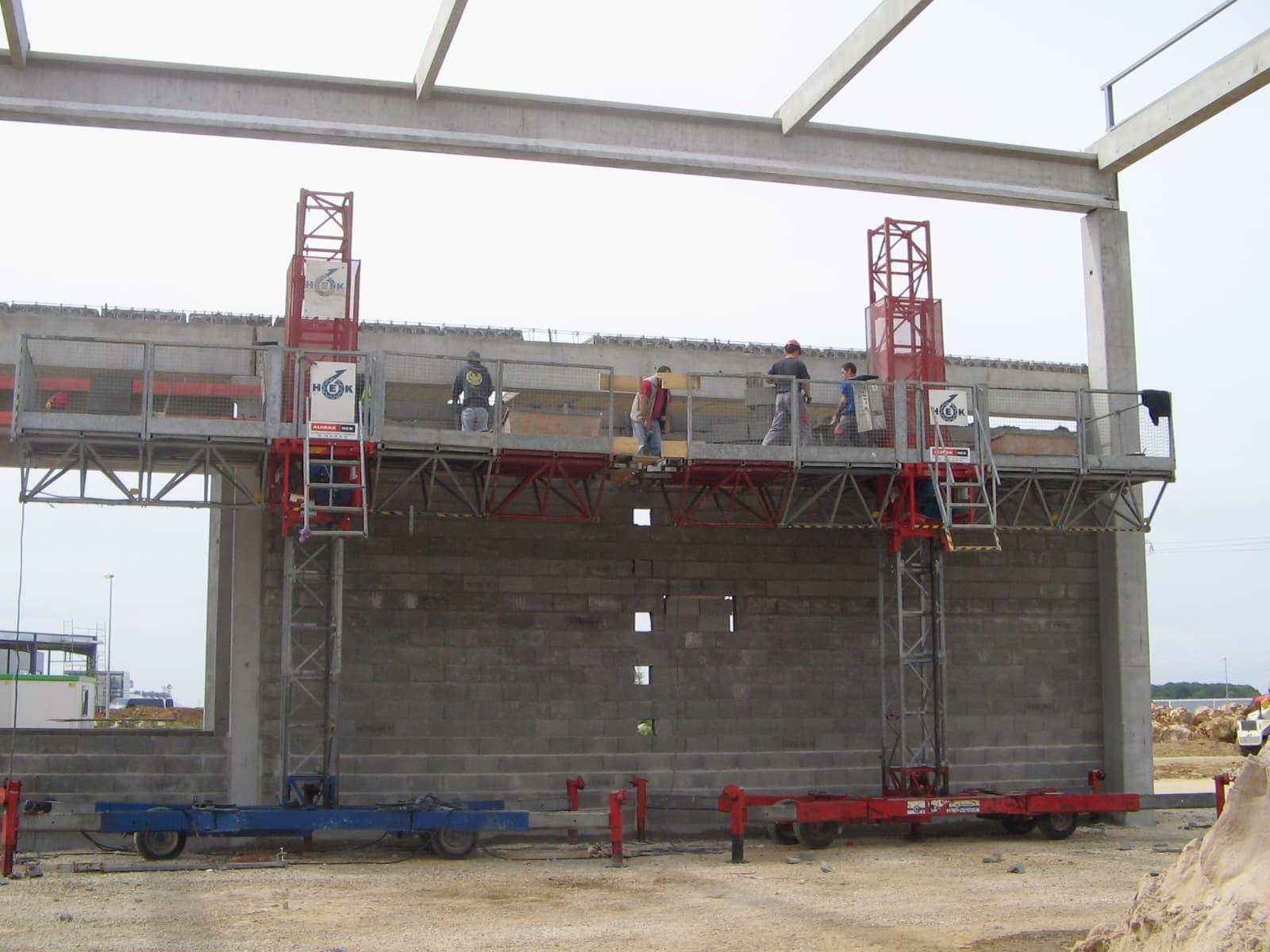 Réalisation murs coupe-feu en bloc de béton de 20 cm d'épaisseur