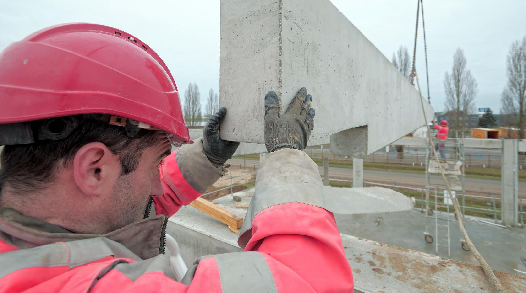 Préfabrication de poteaux poutres en béton par la société ACFA